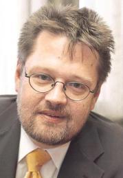 Др. Манфред Даустер - Судија